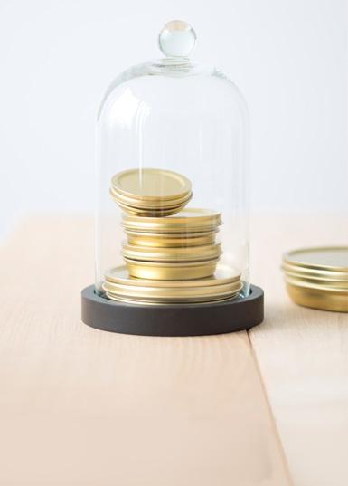Gold-vacuum-caviar-tin.jpg